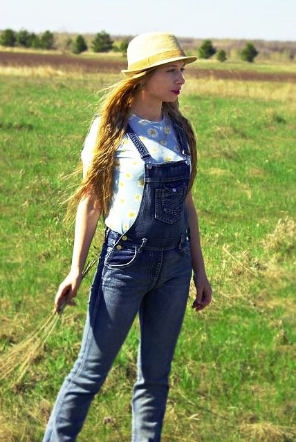 Farm girls in Ukraine searching for love and marriage abroad